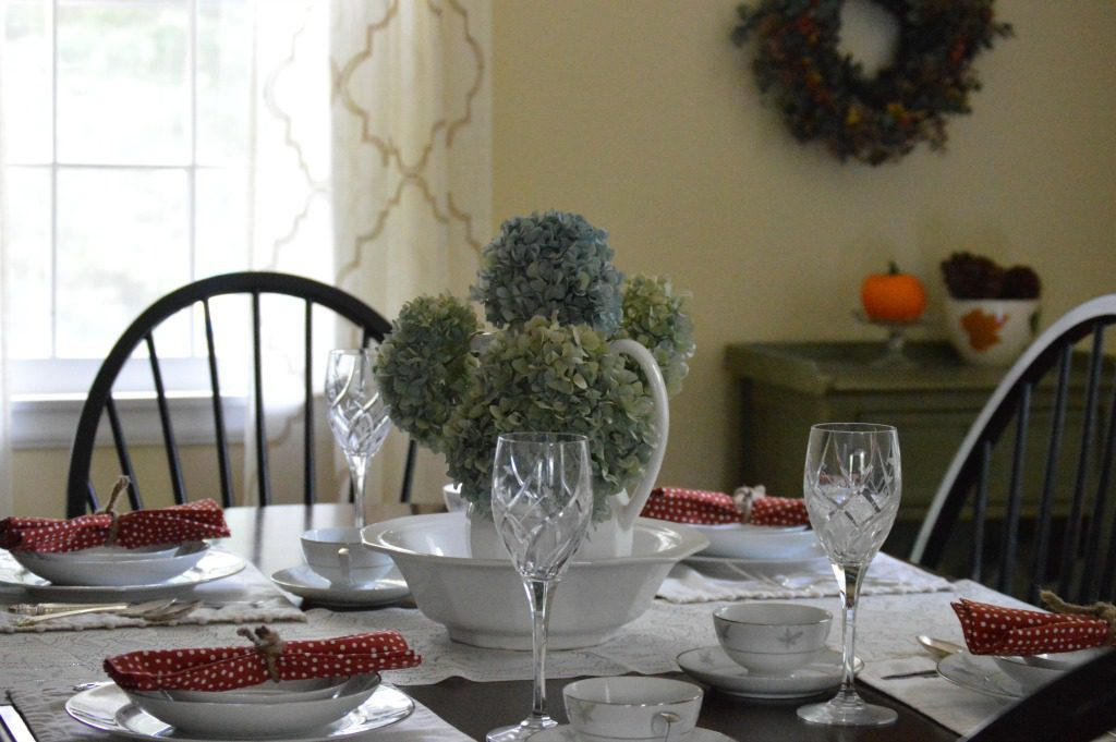 http://blog.myfamilythyme.com/wp-content/uploads/2016/09/fall-dining-room.jpg