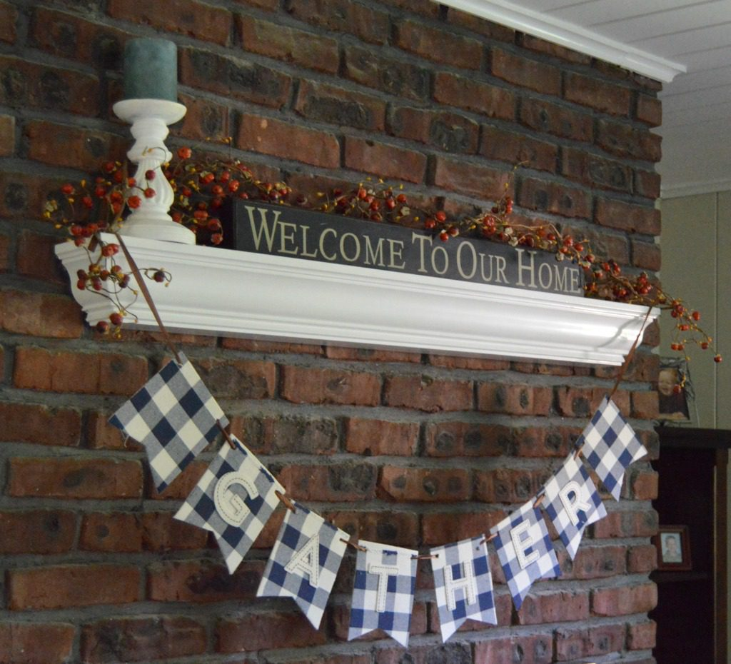 http://blog.myfamilythyme.com/wp-content/uploads/2016/09/fall-family-room-mantle.jpg
