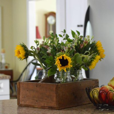 http://myfamilythyme.com/wp-content/uploads/2016/09/fall-kitchen-flowers.jpg