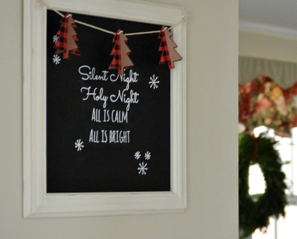 http://myfamilythyme.com/wp-content/uploads/2016/12/Christmas-chalkboard.jpg