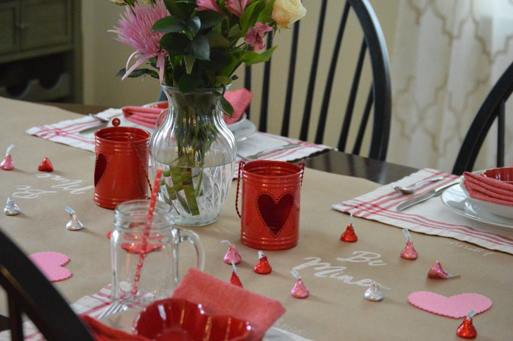http://myfamilythyme.com/wp-content/uploads/2017/02/Valentines-Day-table.jpg