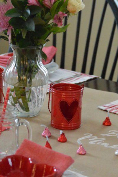 DIY Valentine's Day Craft Paper Runner