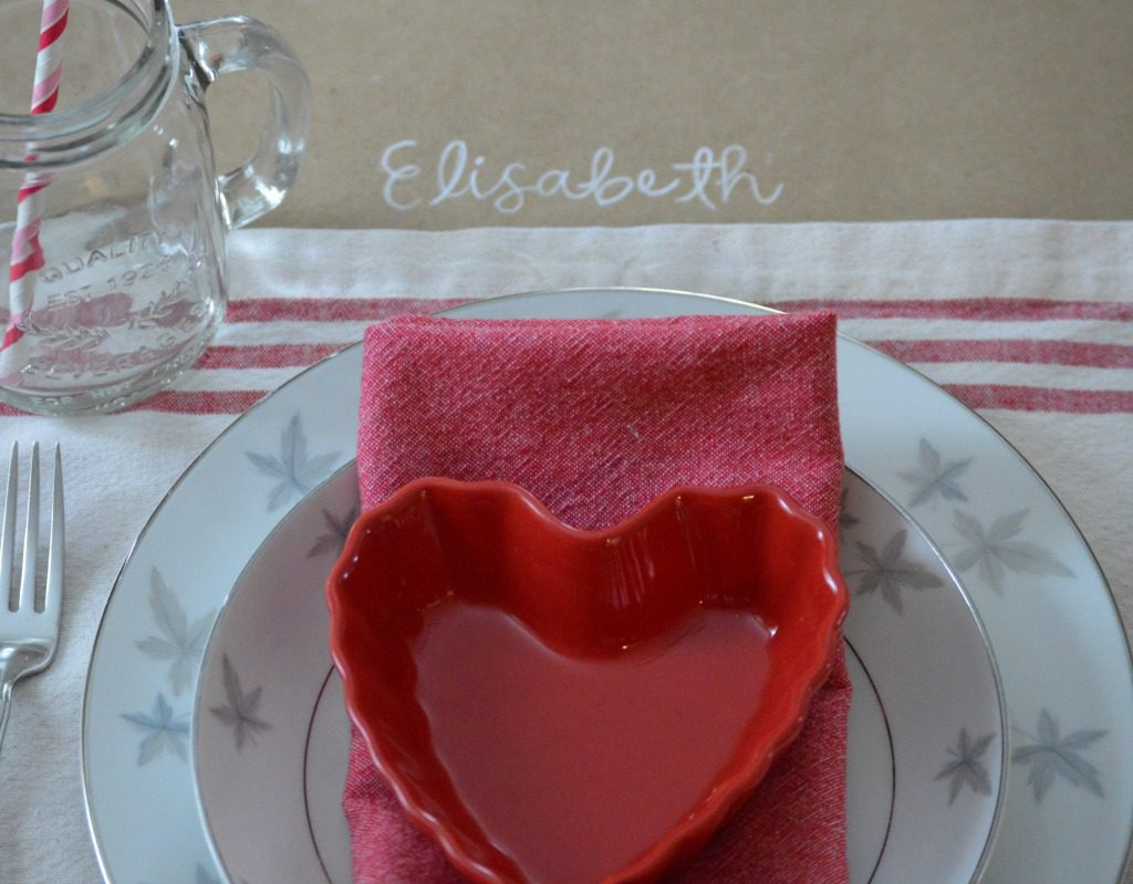 http://myfamilythyme.com/wp-content/uploads/2017/02/Valentines-table-place-setting.jpg