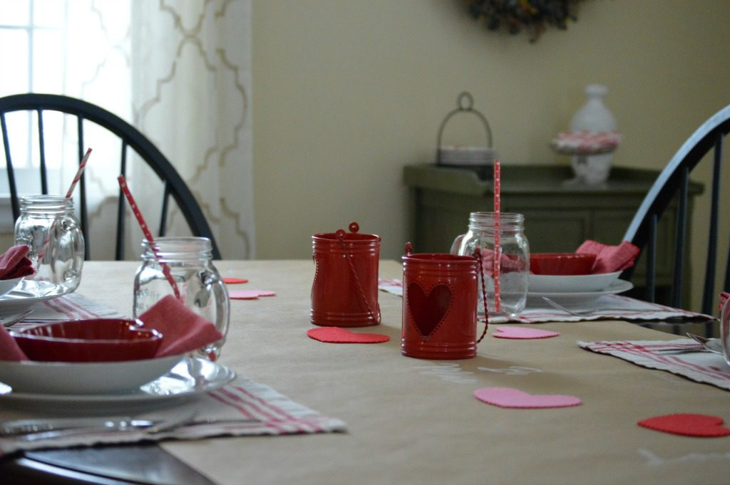 http://myfamilythyme.com/wp-content/uploads/2017/02/Valentines-table-view-2.jpg