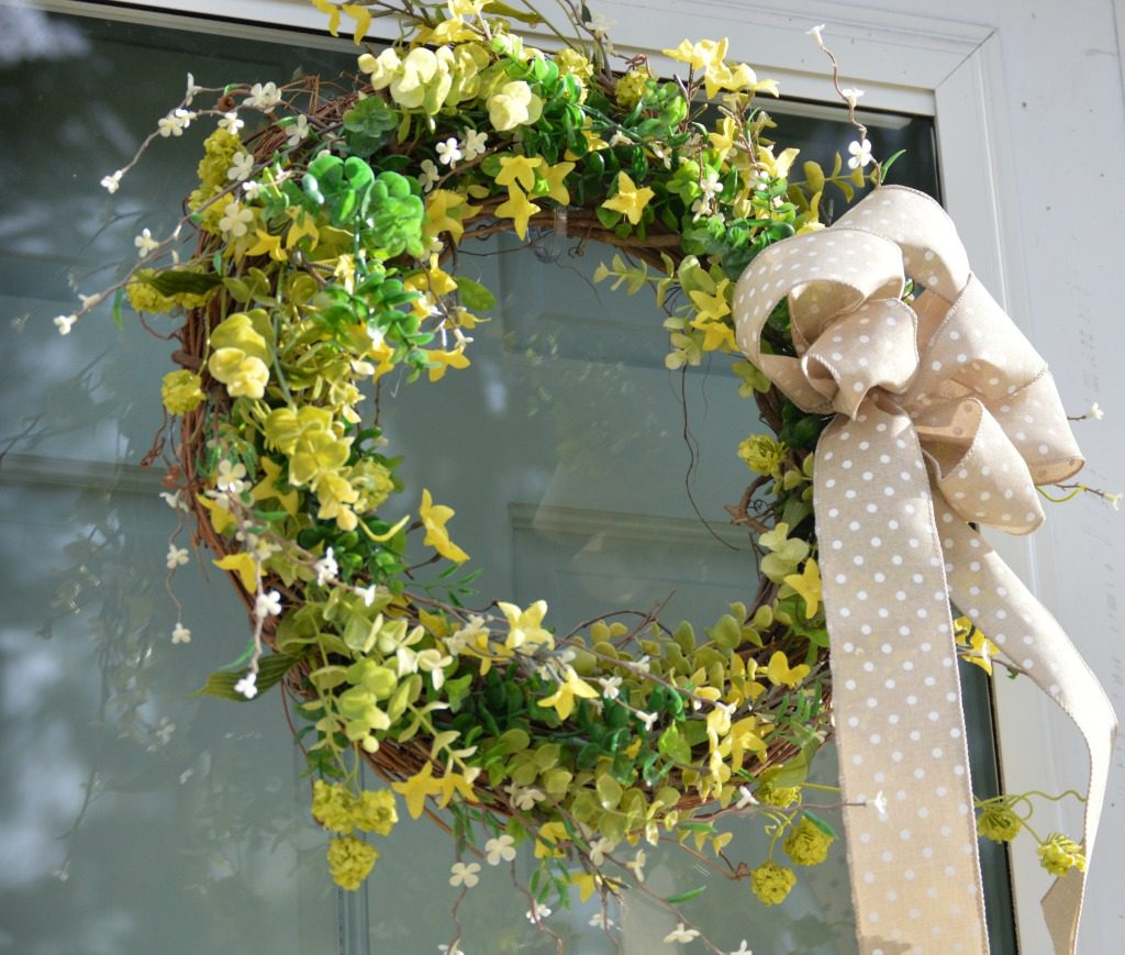 http://myfamilythyme.com/wp-content/uploads/2017/04/Spring-wreath.jpg