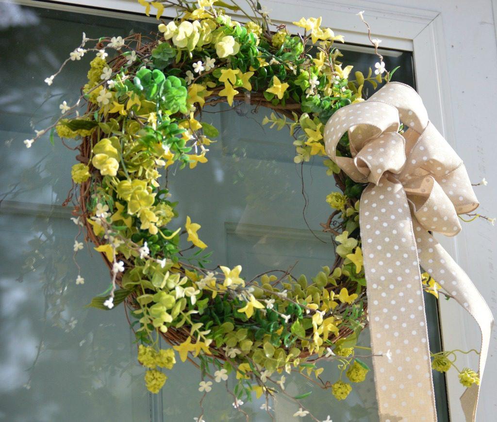 https://myfamilythyme.com/wp-content/uploads/2017/04/Spring-wreath.jpg
