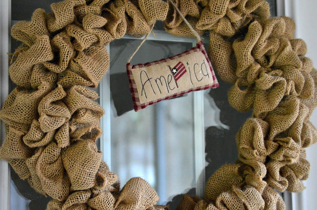 http://myfamilythyme.com/wp-content/uploads/2017/04/burlap-wreath.jpg