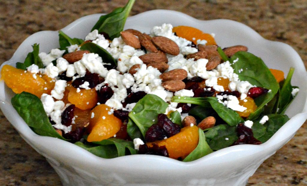 http://myfamilythyme.com/wp-content/uploads/2017/07/spinach-salad-in-bowl-2.jpg