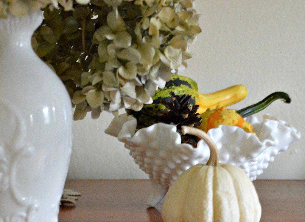 http://myfamilythyme.com/wp-content/uploads/2017/09/fall-gourds-in-living-room.jpg