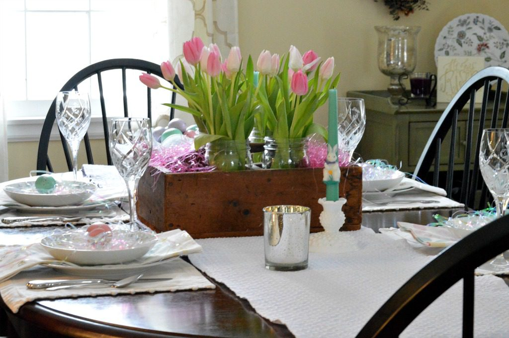 https://myfamilythyme.com/wp-content/uploads/2018/03/Setting-an-Easter-Dining-Table-8.jpg