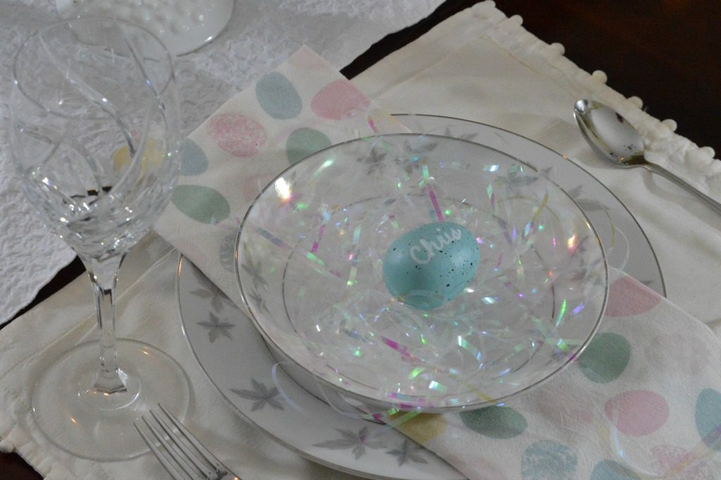 https://myfamilythyme.com/wp-content/uploads/2018/03/setting-a-simple-Easter-table-3.jpg