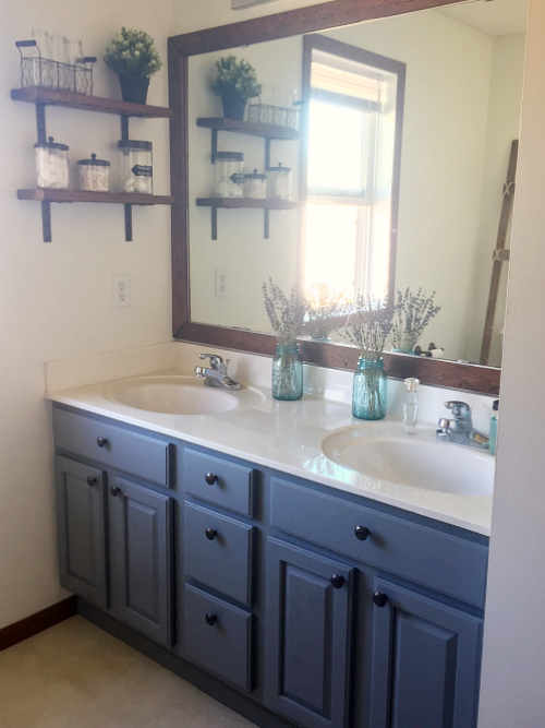 https://www.lemonslavenderandlaundry.com/farmhouse-bathroom/