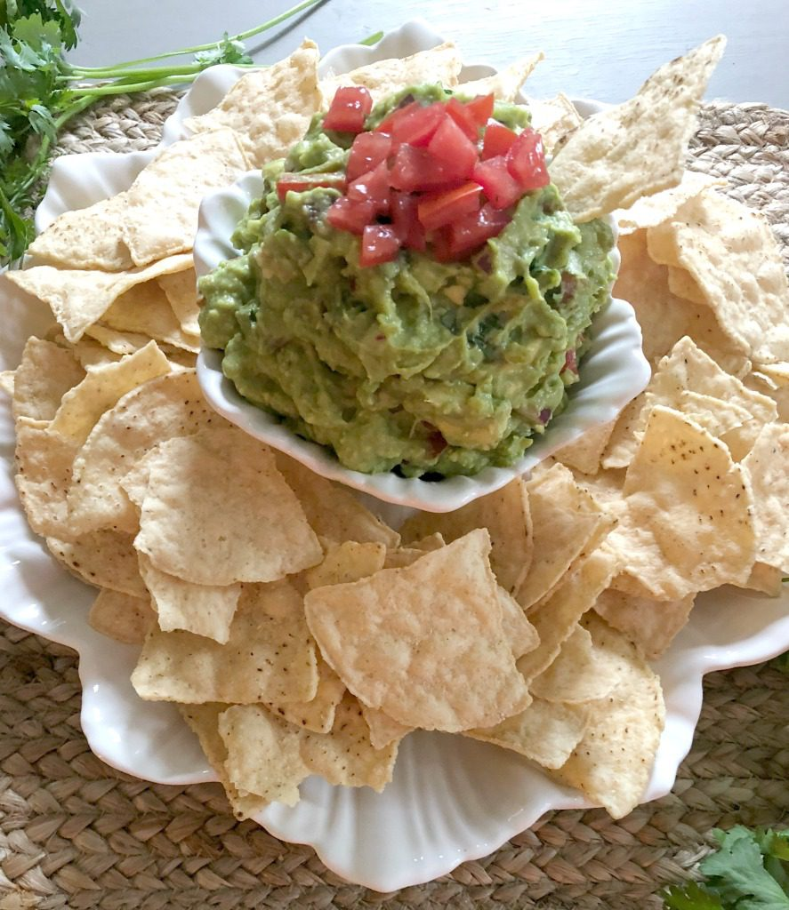 https://myfamilythyme.com/wp-content/uploads/2018/07/finished-guacamole-2.jpg