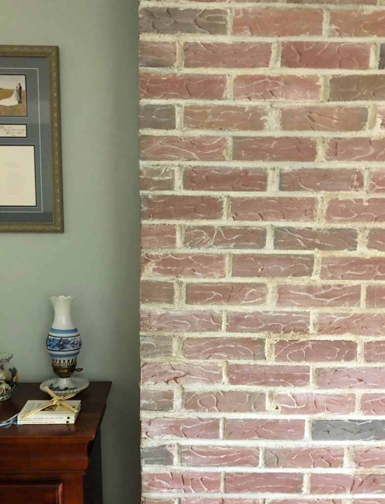 https://myfamilythyme.com/wp-content/uploads/2018/09/whitewashed-brick-in-bedroom.jpg