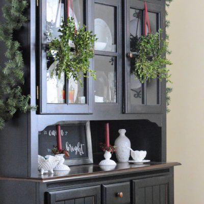 https://myfamilythyme.com/wp-content/uploads/2018/11/DIY-Boxwood-Wreath-2.jpg