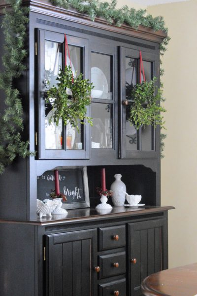 DIY Fresh Boxwood Wreath