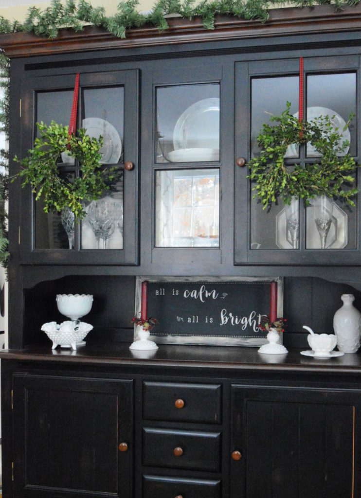 https://myfamilythyme.com/wp-content/uploads/2018/11/DIY-Boxwood-Wreaths-on-Hutch.jpg