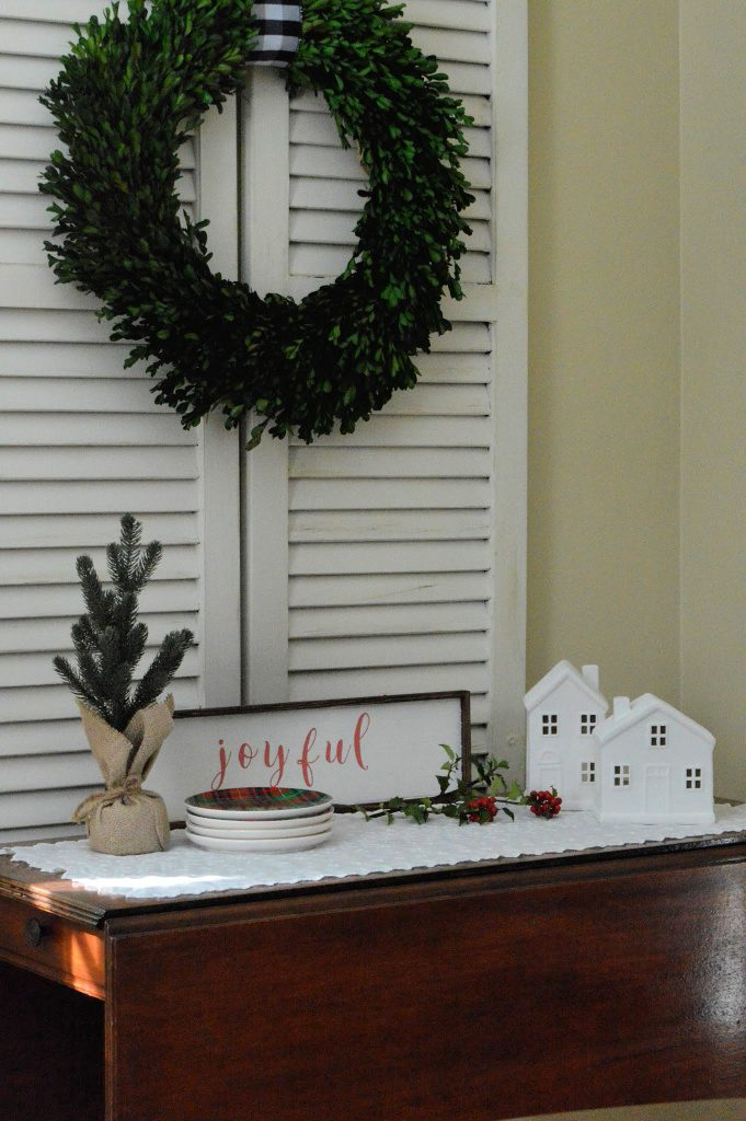 https://myfamilythyme.com/wp-content/uploads/2018/11/diy-painted-sign3.jpg
