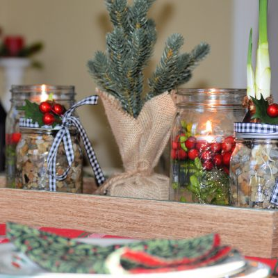 https://myfamilythyme.com/wp-content/uploads/2018/12/Christmas-Mason-Jars-centerpiece.jpg