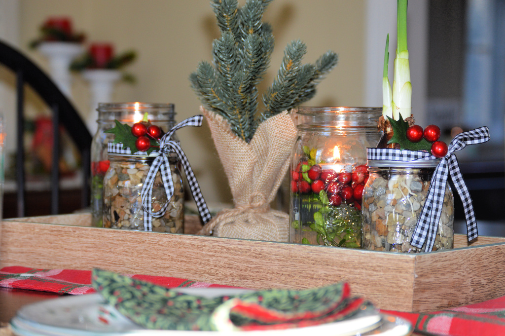 Christmas Mason Jars:  Simple Centerpieces and Pretty Paperwhites