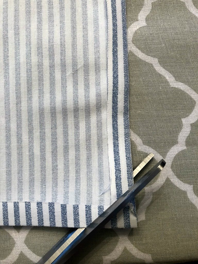 https://myfamilythyme.com/wp-content/uploads/2019/03/diy-cloth-napkins-3.jpg