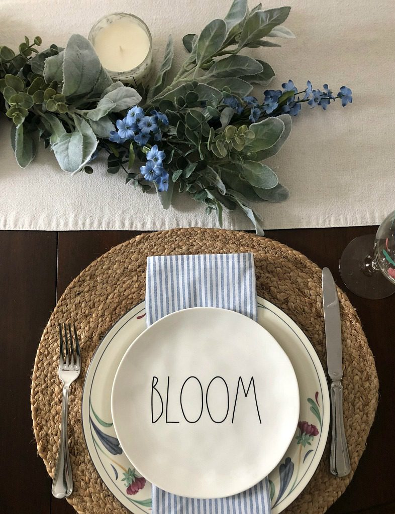 https://myfamilythyme.com/wp-content/uploads/2019/03/spring-tablescape-1.jpg