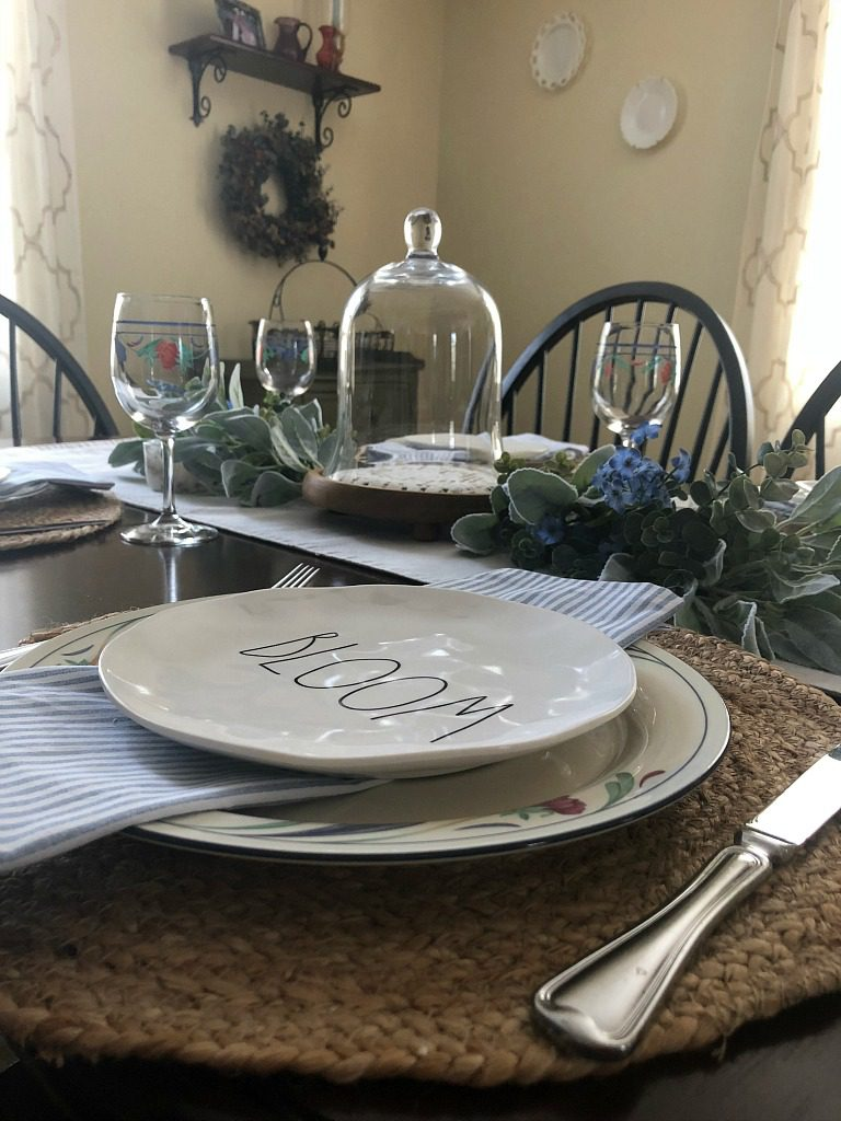 https://myfamilythyme.com/wp-content/uploads/2019/03/spring-tablescape-2.jpg