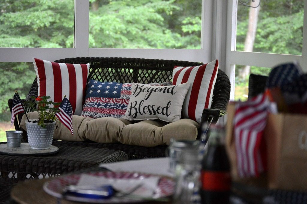 https://myfamilythyme.com/wp-content/uploads/2019/06/patriotic-porch.jpg