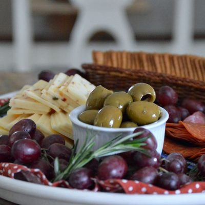 Create an Easy DIY Charcuterie Tray