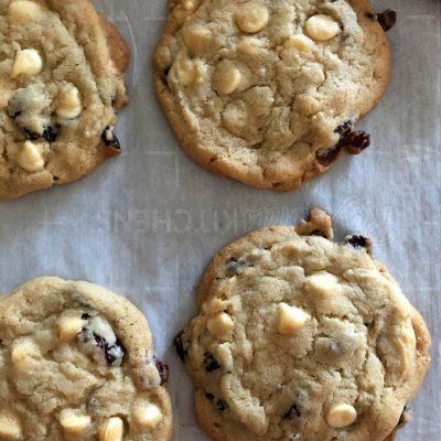 https://myfamilythyme.com/wp-content/uploads/2019/11/cran-cookies-3.jpg