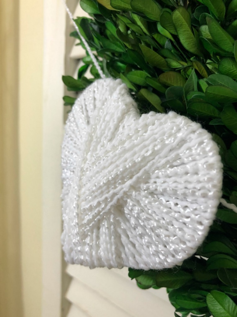 https://myfamilythyme.com/wp-content/uploads/2020/02/Yarn-Heart-Garland-1-2.jpg