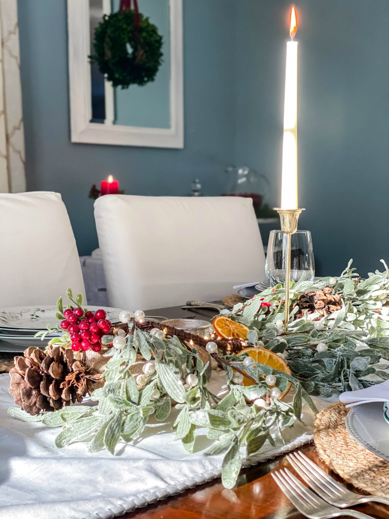 https://myfamilythyme.com/wp-content/uploads/2020/12/Christmas-tablescape-.jpg
